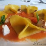 Ravioli di melanzane e cubetti di ricotta affumicata